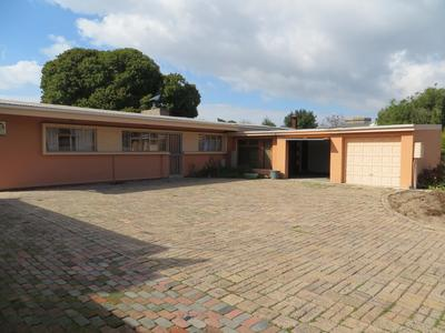 Property For Sale in Oakdale, Bellville